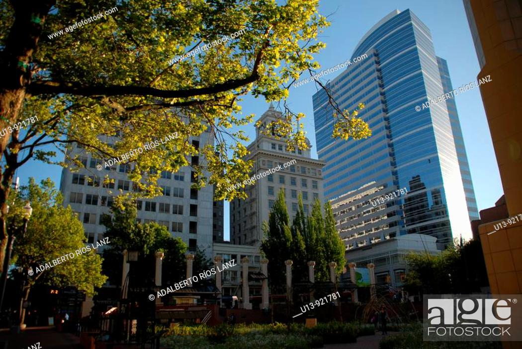 Stock Photo: Buildings at Pioneer Courthouse Square, downtown Portland, Oregon, USA.