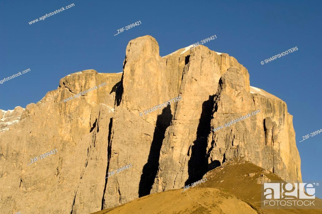 Photo de stock: Italy, Trentino - Alto Adige, Bolzano province, Dolomites, Val Gardena, Sella group.