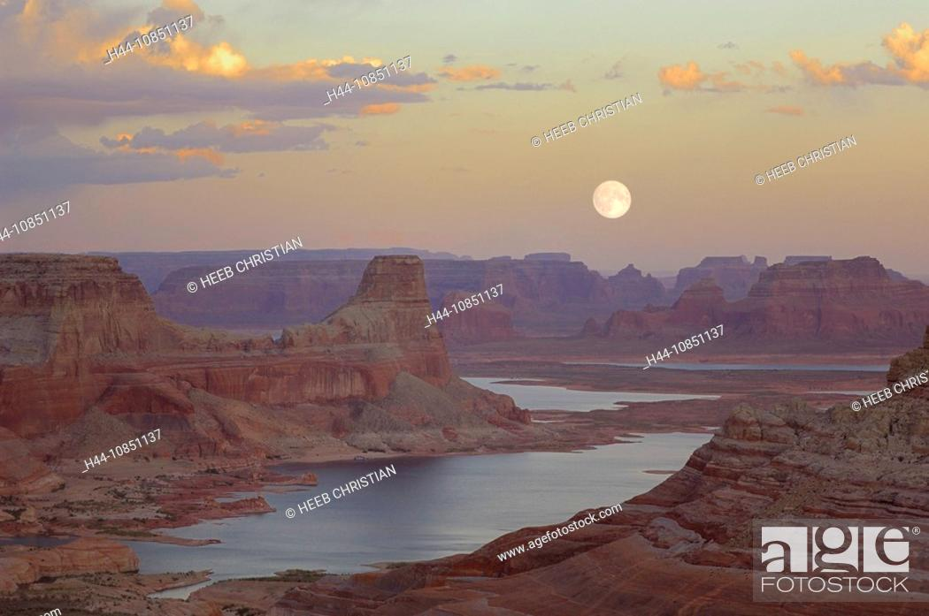Stock Photo: 10851137, Usa, Page, Utah, View From Alstrom Point.