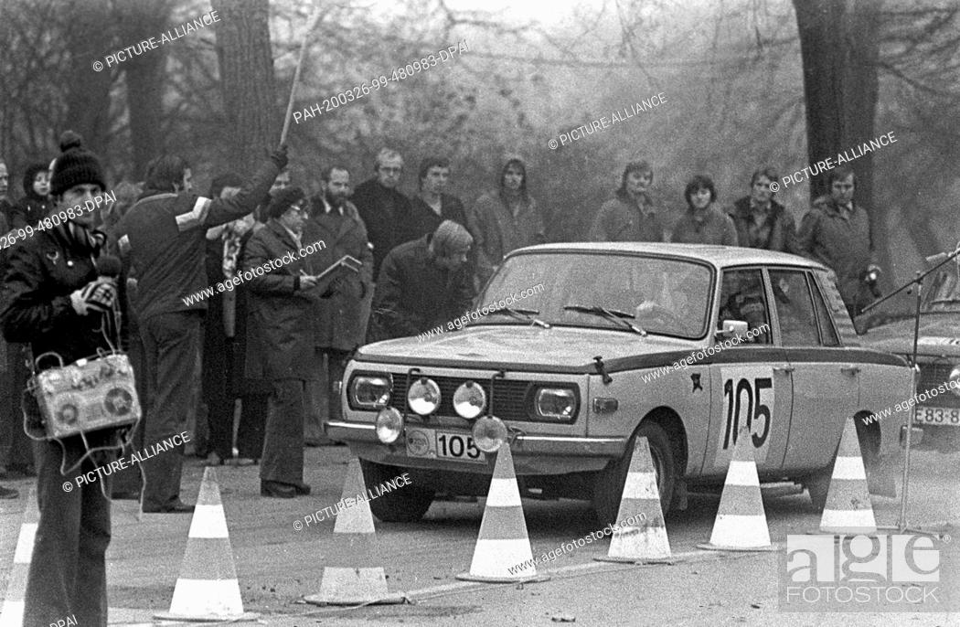 Stock Photo: 30 November 1977, Saxony, Leipzig: The fair rally in Leipzig, here in 1978 in the Clara-Zetkin-Park, is a motorsport highlight in the GDR motorsport calendar.
