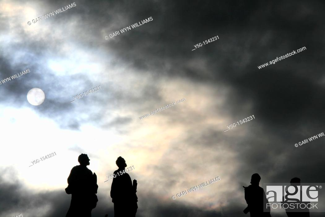 Stock Photo: statues on top of colonnade at st peter's square in rome.