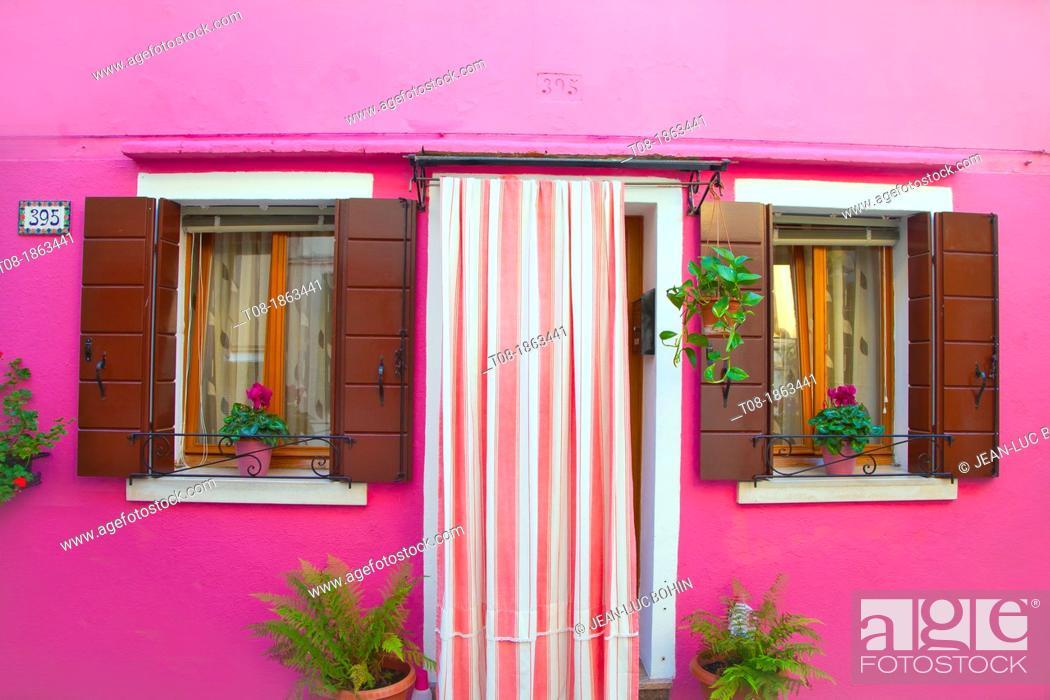 Imagen: Italy, Venice, Burano: pink house.