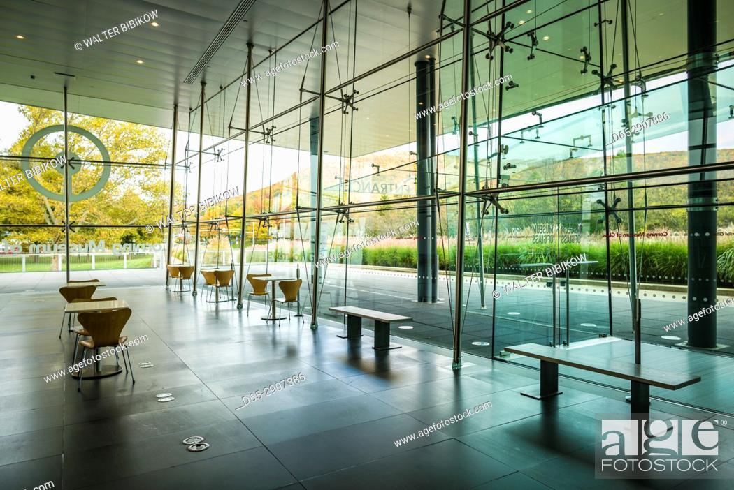 Stock Photo: USA, New York, Finger Lakes Region, Corning, Corning Museum of Glass, glass gallery interior.