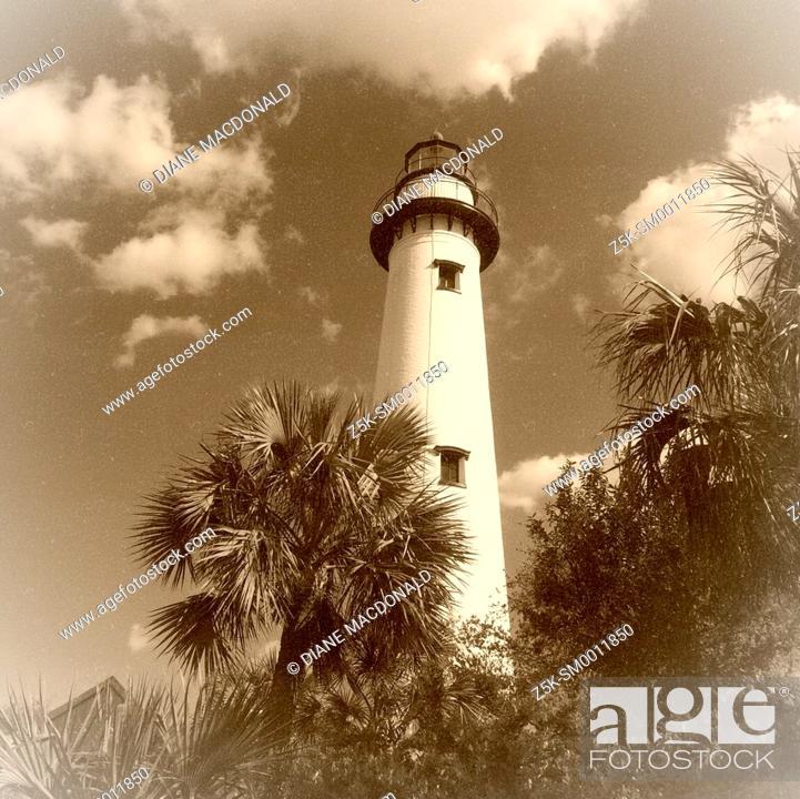 Stock Photo: St. Simon's Island Lighthouse, St. Simon's Island, Georgia.