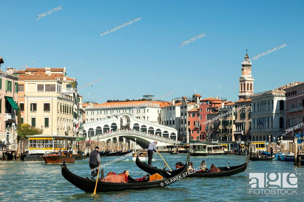Imagen: Gondolas on Grand Canal in Venice.