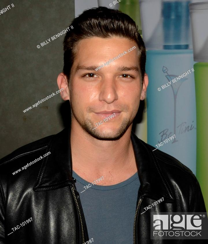 Daren Kagasoff Attends The Gbk And Pilot Pen Golden Globes 2016 Luxury Lounge Day 2 At W Hotel In Stock Photo Picture And Rights Managed Image Pic Tac 101997 Agefotostock 33 born september 16, 1987. 2