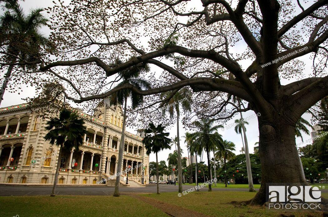 Stock Photo: The Iolani Palace In Honolulu, Oahu, Hawaii, USA. Iolani Palace, the only royal palace in the USA, downtown historic district, Honolulu, Oahu, Hawaii.