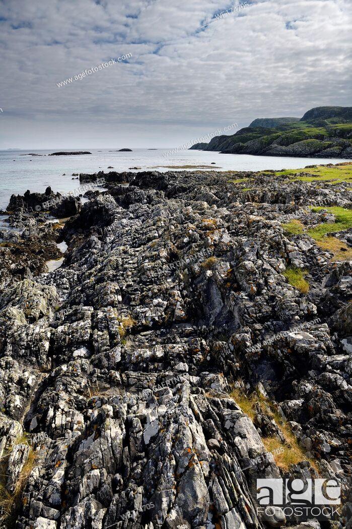 Stock Photo: Flipped sedimentary rock layers at Sandeels Bay Atlantic Ocean at Isle of Iona Inner Hebrides Scotland UK.