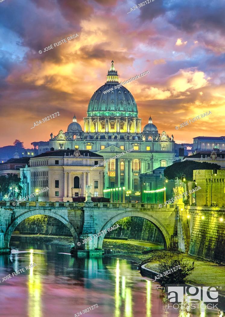 Stock Photo: Italy-. Rome City. The Vatican. San Pietro Basilica.
