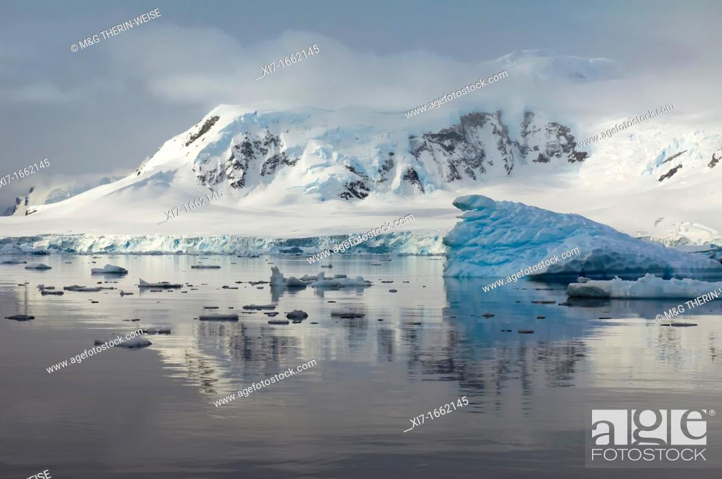 Stock Photo: Bahia Paraiso Paradise Bay, Antarctic Peninsula.
