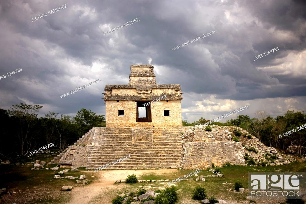 Stock Photo: Temple of the Dolls in the Mayan ruins of Dzibilchaltun on Mexico's Yucatan peninsula.