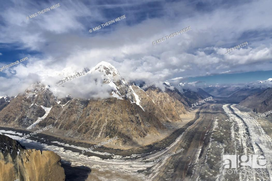 Stock Photo: Aerial view over the Central Tian Shan Mountain range, Border of Kyrgyzstan and China, Kyrgyzstan.
