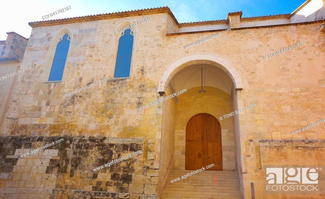 Imagen: Sant Andreu in Xativa City Hall facade also Jativa at Valencia spain.