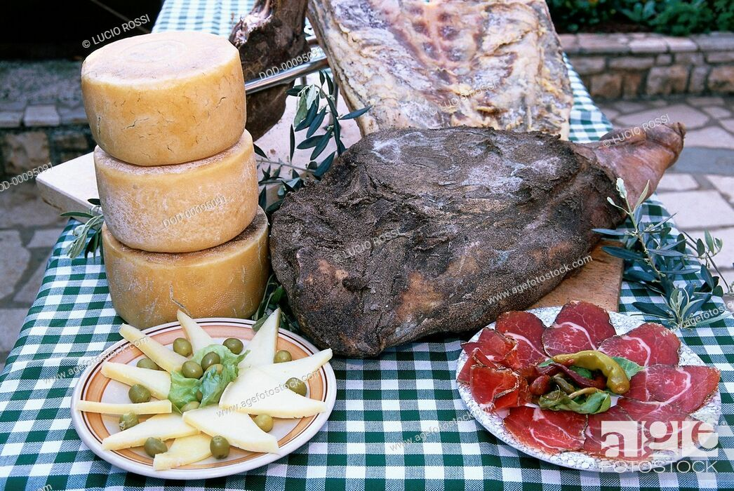 Imagen: Croatia, Dalmatinski prsut a paski sir, whole and sliced seasoned and smoked Dalmatian ham, sliced sheep's cheese.