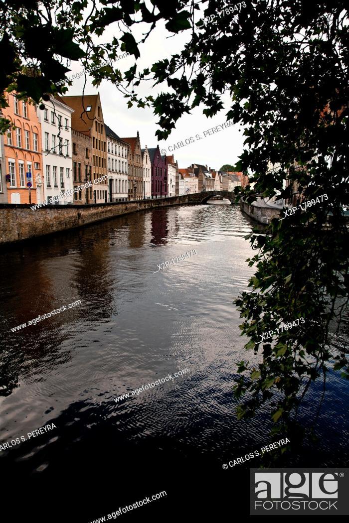 Stock Photo: Spiegeireu canal, near of Jan van Eyckplein square, Bruges, Flanders, Belgium.