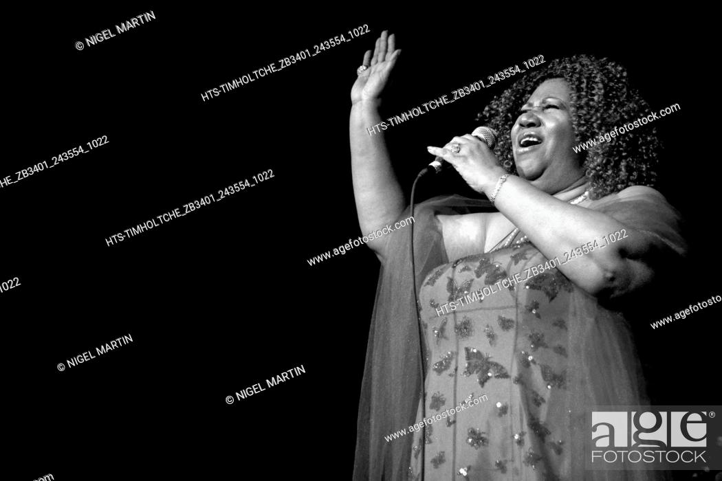 Imagen: Picture By: Nigel Martin / Retna Pictures - Aretha Franklin, the undisputed Queen of Soul and 20 time Grammy Award winner performing live in concert at Hard.