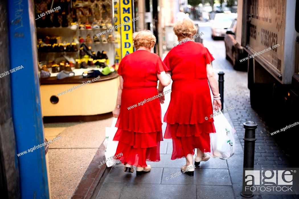 Stock Photo: Twins in Madrid, Europe, Spain.
