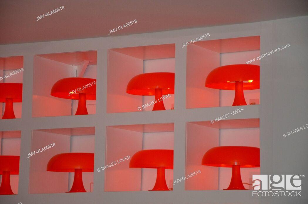 Imagen: Close view of Lamps in Nightclub, Punta del Este, Uruguay.