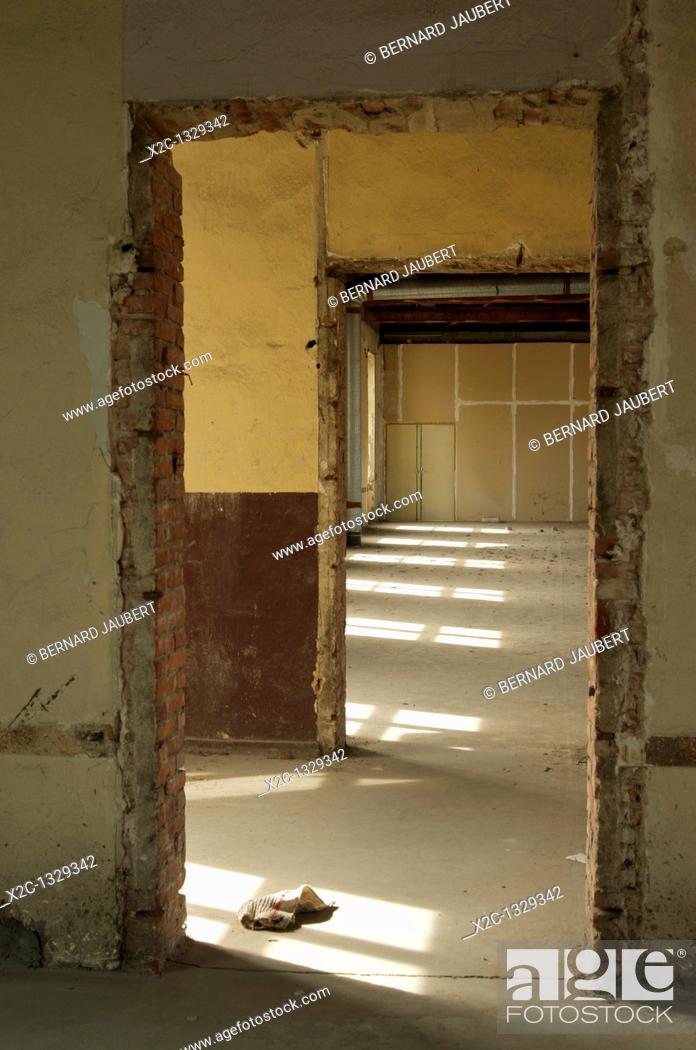 Stock Photo: Abandoned house.