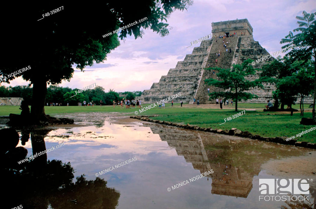 Stock Photo: The Castle (Pyramid of Kukulcan). Chichén Itzá. Mexico.