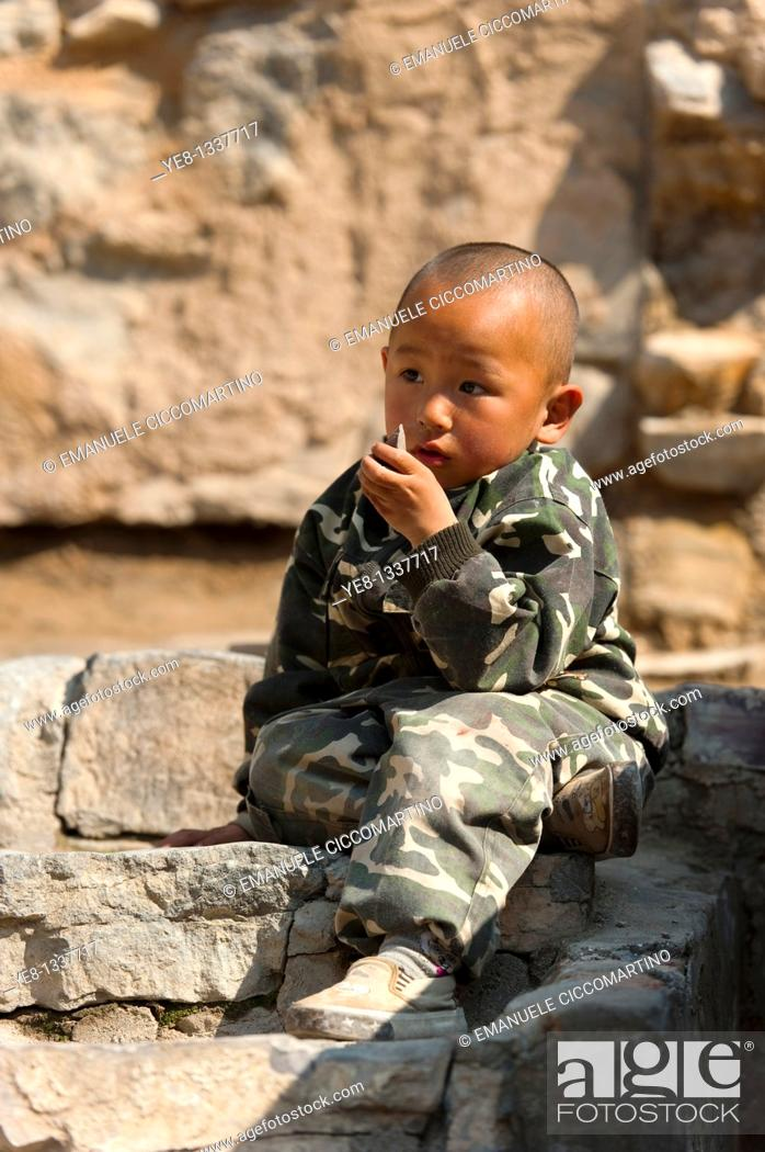 Stock Photo: Kid, traditional village of Cuandixia, Greater Beijing, China, Asia.