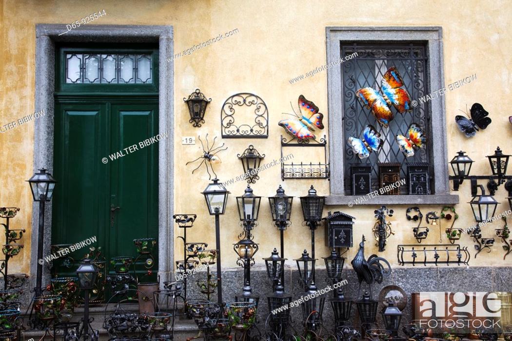 Stock Photo: Italy, Piedmont, Lake Maggiore, Cannobio, souvenirs and antiques.