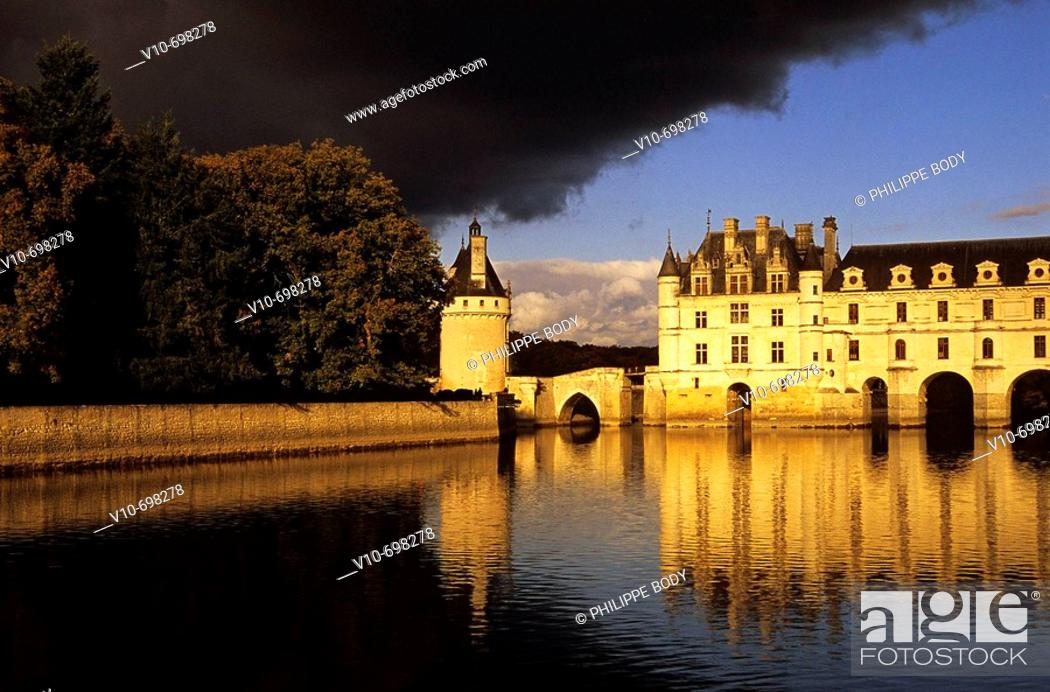 Stock Photo: Castle of Chenonceau, built from 1513 to 1521 in Renaissance style, over the Cher river, Indre et Loire, France.