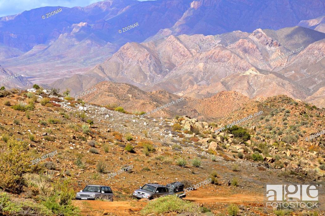 Stock Photo: Geländewagen auf Allradstrecke im Richtersveld Nationalpark, Südafrika / Landrover on a 4x4 track inRichtersveld,Transfrontier National Park, South Africa.