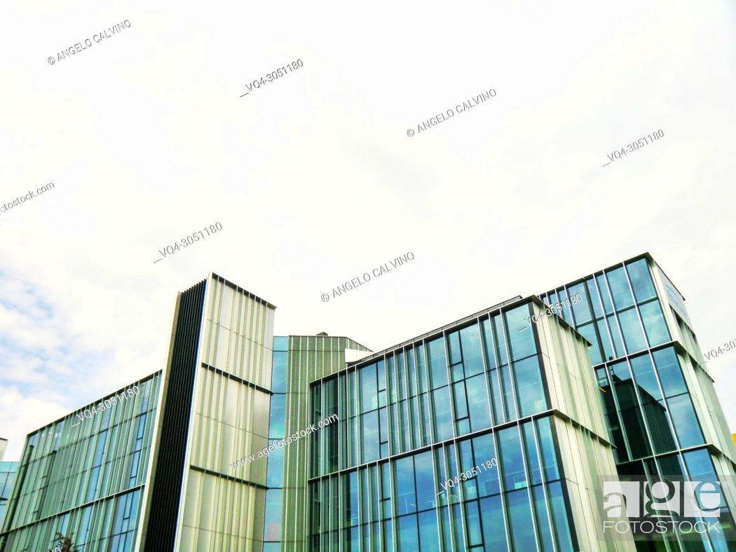 Imagen: View of the Skyscapers from Piazza Gae Aulenti, Milano, Milan, Lombardy, Italy, Europe.