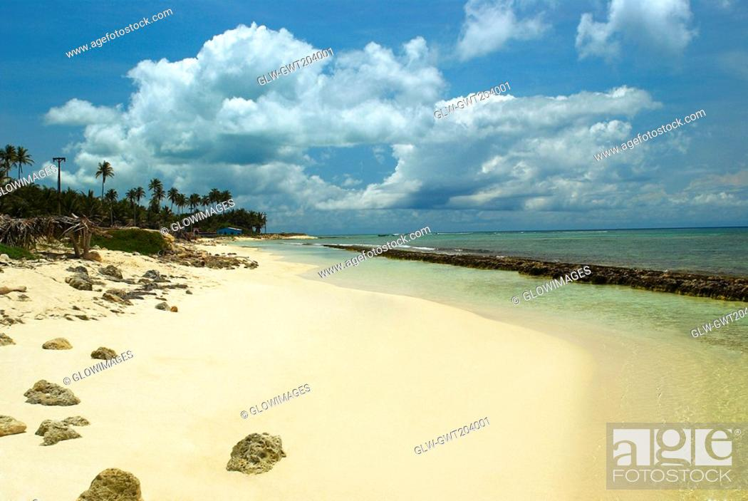 Stock Photo: Panoramic view of a beach, San Andres, Providencia y Santa Catalina, San Andres y Providencia Department, Colombia.
