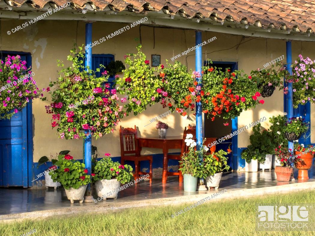 Imagen: Traditional Housing, Marinilla, Eastern Antioquia, Antioquia, Colombia.