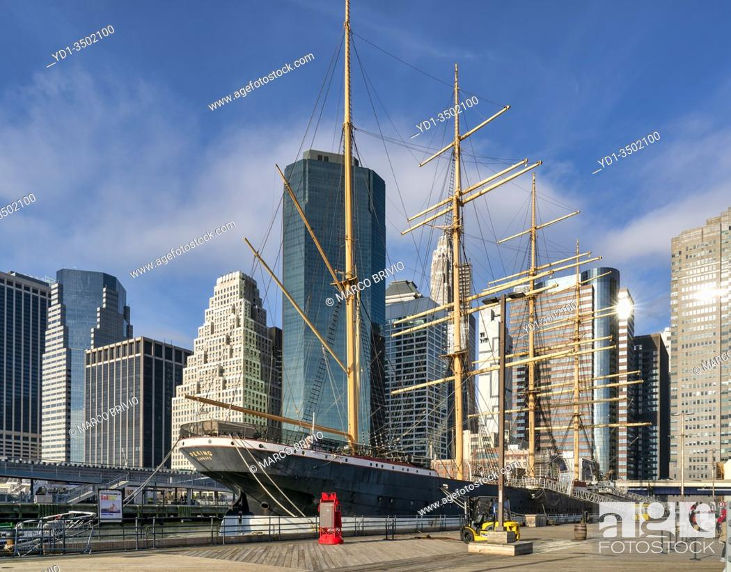 Stock Photo: New York. Manhattan. South Street Seaport.