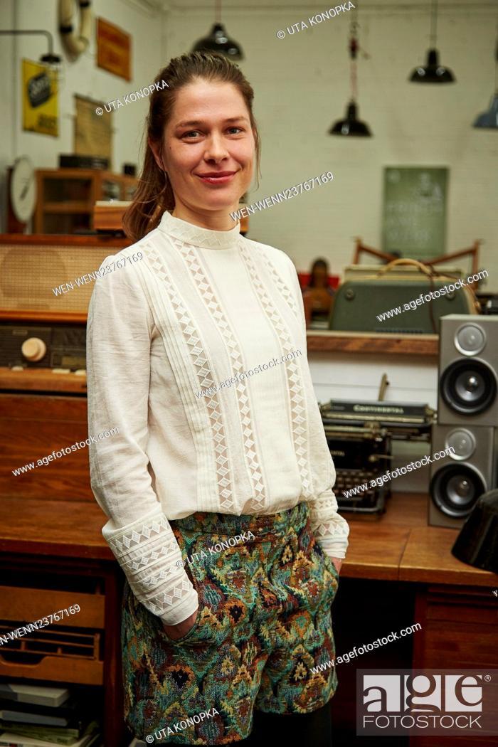 "Stock Photo: New ARD series """"Frau Temme sucht das Glueck"""" Featuring: Meike Droste Where: Cologne, Germany When: 19 Apr 2016 Credit: Uta Konopka/WENN.com."