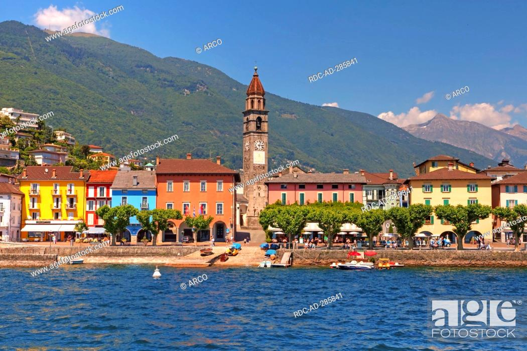 Imagen: Church Santi Pietro e Paolo, lakeside promenade, Lago Maggiore, Ascona, Locarno, Ticino, Switzerland.