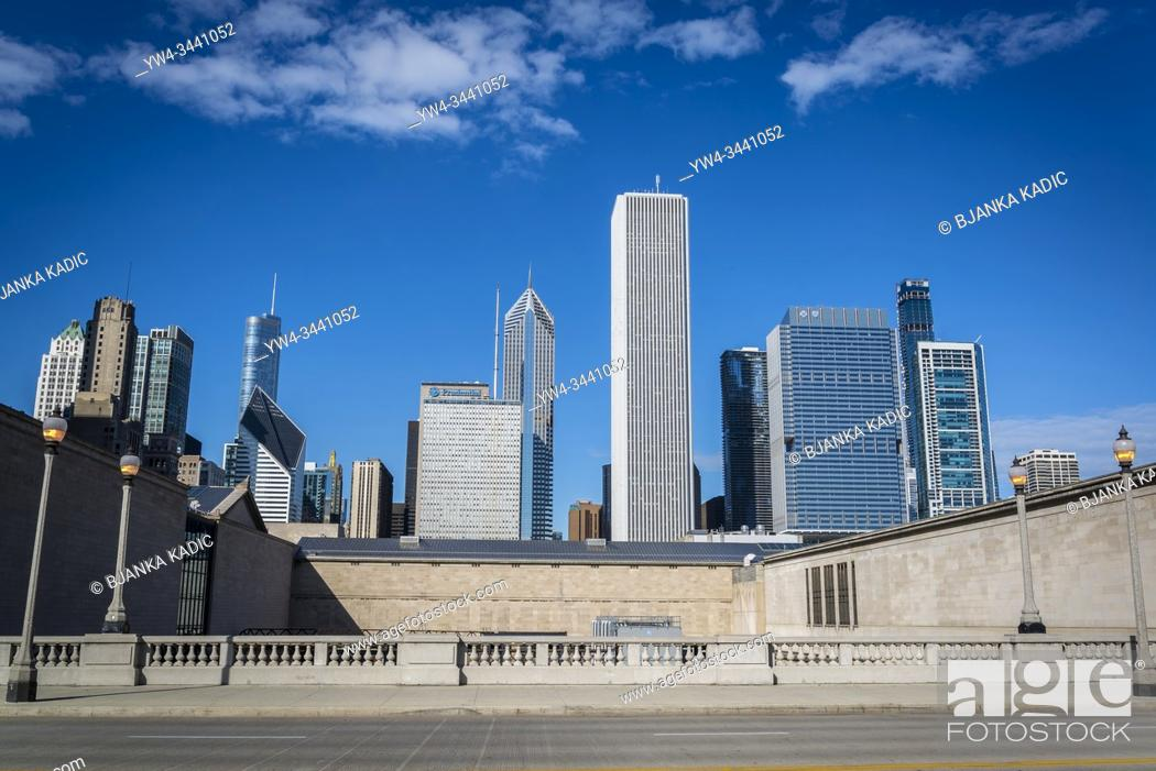 Stock Photo: East Jackson Drive and skyline of skyscrapers north the Millennium Park, Chicago, Illinois, USA.
