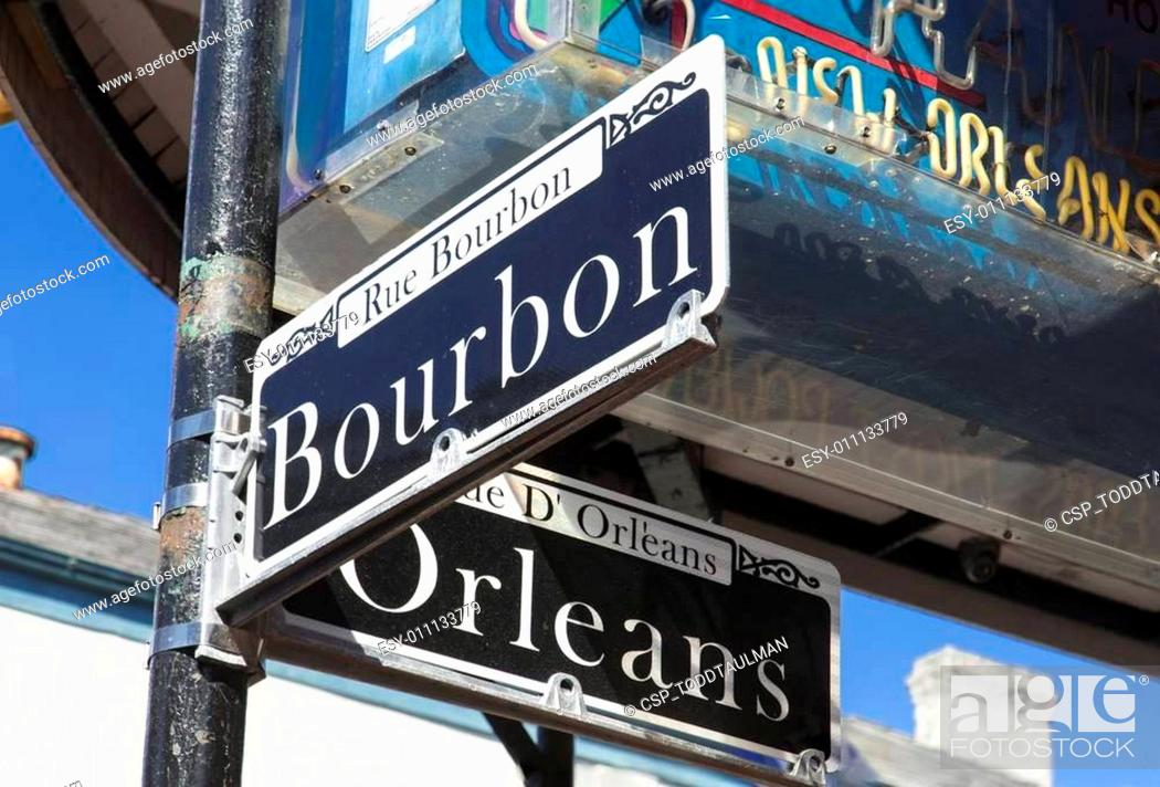 Imagen: At the Corner of Bourbon and Orleans.