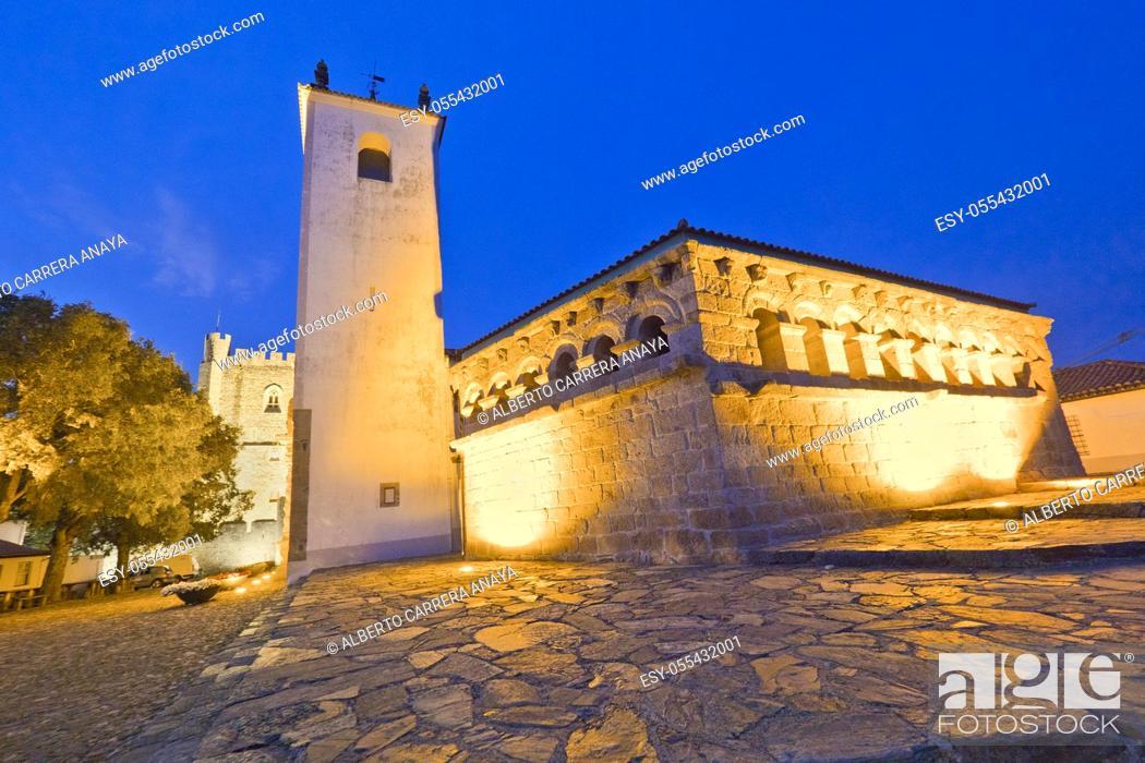Imagen: Domus Municipalis, 12th Century Romanesque Civil Architecture, Bragança, Portugal, Europe.