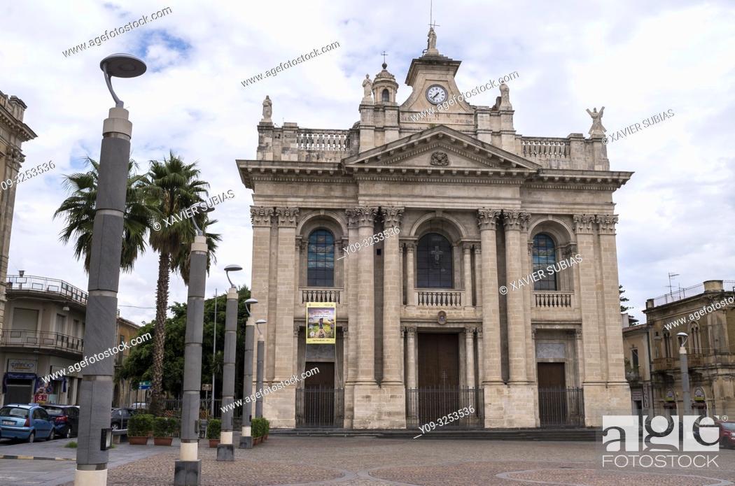 Imagen: Church of Saint Pietro, Riposto, Catania, Sicily, Italy.
