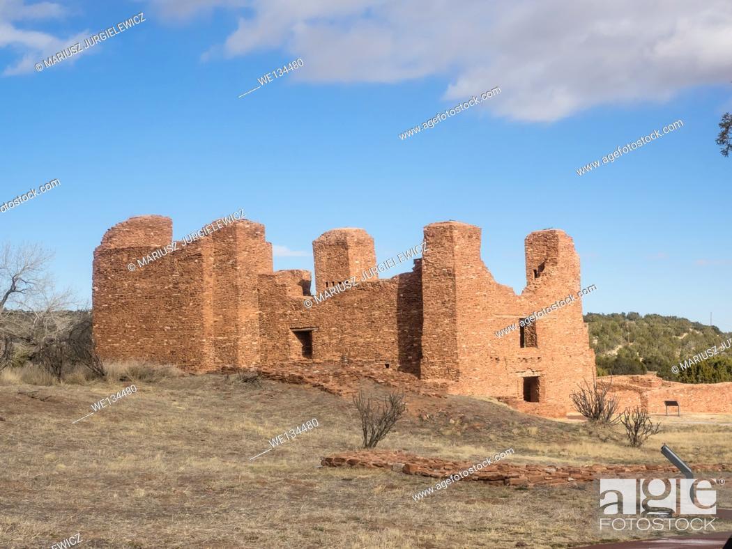 Imagen: Quarai Mission ruins are located in Salinas Pueblo Missions National Monument near Mountainair, NM.