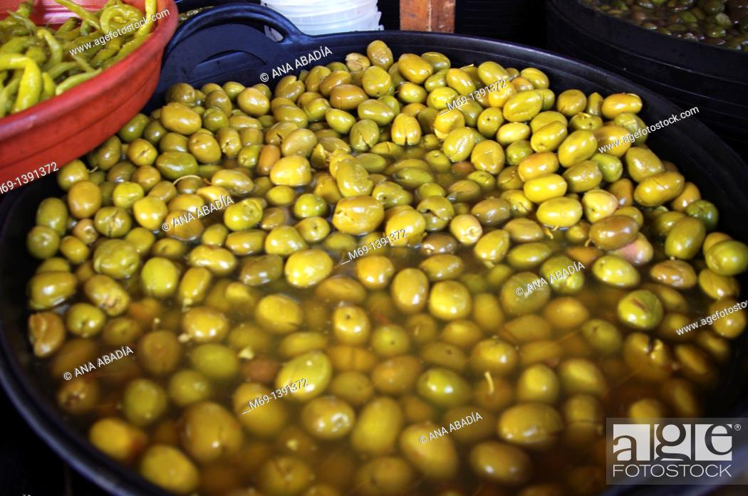 Stock Photo: Sale of olives.