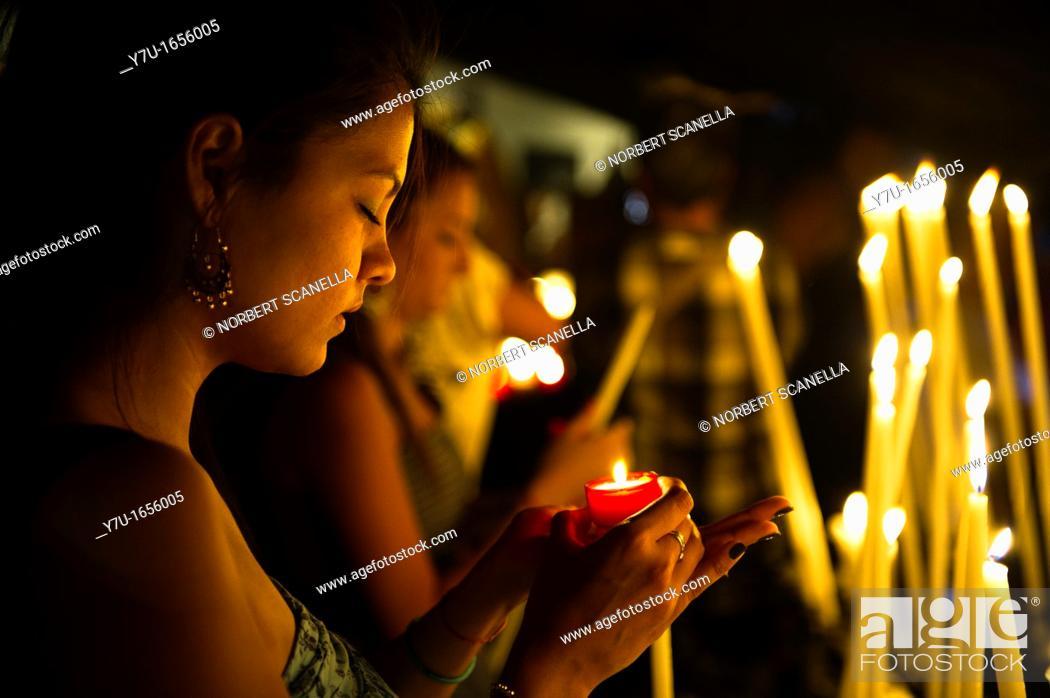 Stock Photo: Europe, France, Bouche-du-Rhone, 13, Saintes-Marie-de-la-Mer, pilgrimage of gypsies, offering to the virgin.