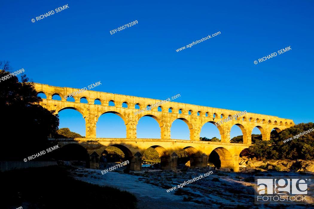 Stock Photo: Roman aqueduct, Pont du Gard, Languedoc-Roussillon, France.