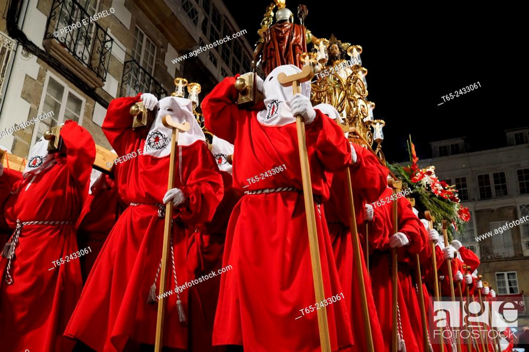 Imagen: 02-04-2015  (Viveiro, Lugo province, Galicia, Spain): Holy Week, Maundy Thursday, Prendimiento procession in the old town.
