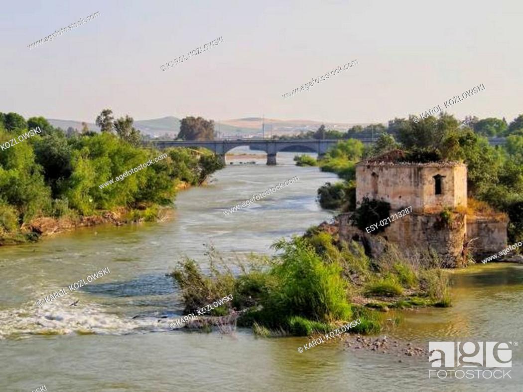 Imagen: Guadalquivir River in Cordoba, Spain.