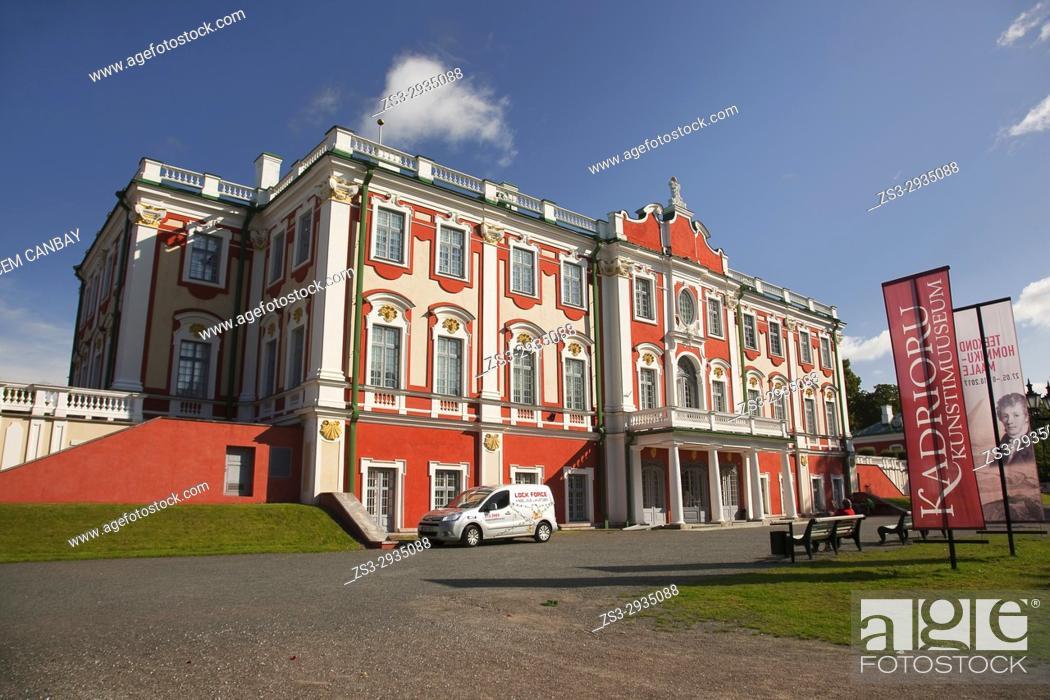 Stock Photo: View to the Palace in Kadriorg Park, Tallinn, Estonia, Baltic States, Europe.
