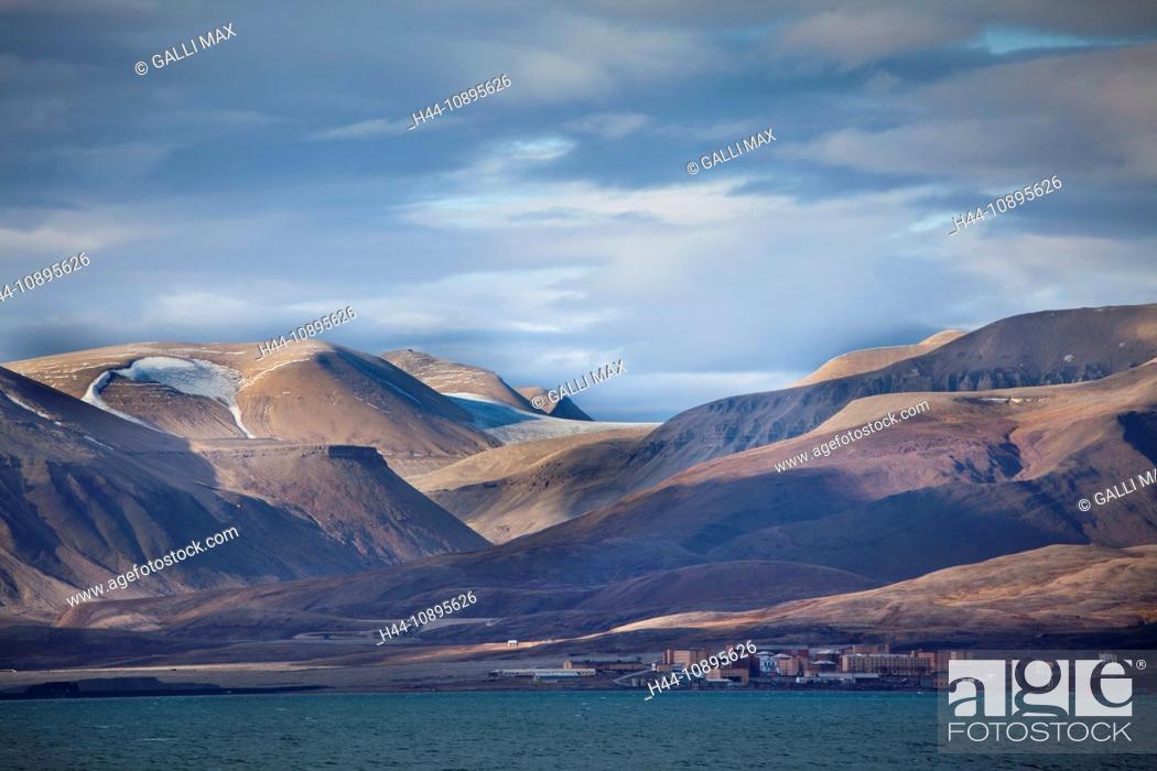 Imagen: Arctic, arctic ocean, Barents Sea, Billefjorden, Antarctic Ocean, island, isle, island group, Isfjorden, sea, north, Norway, Eu.