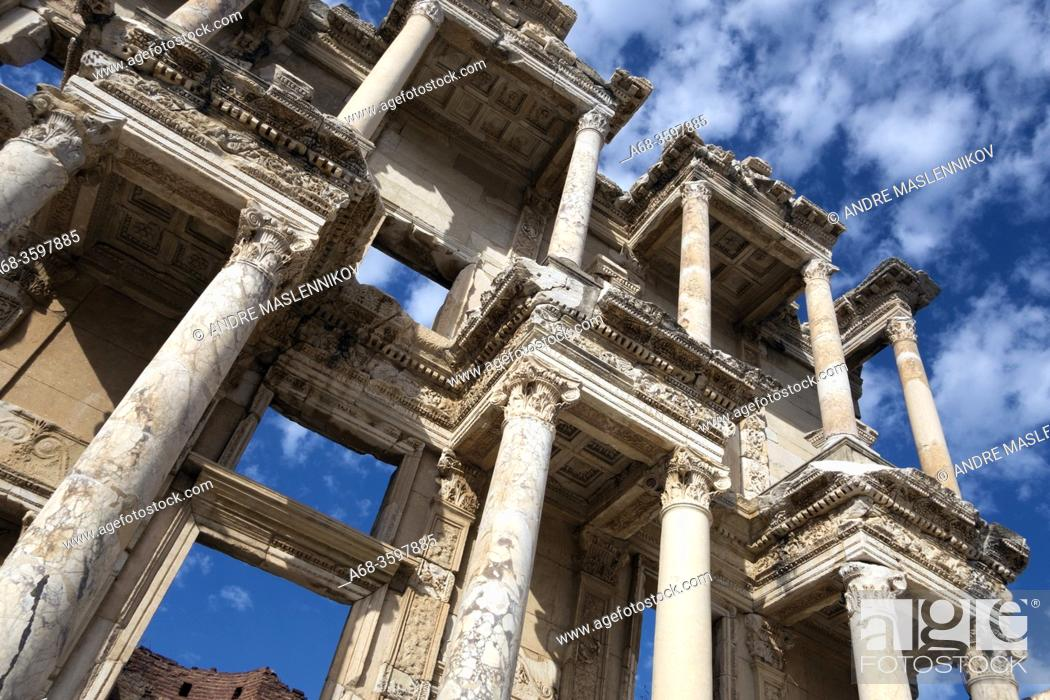 Stock Photo: Ceslcius Library in Ephesus. Turkey.