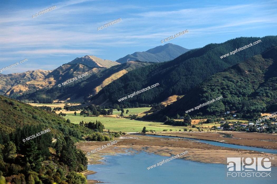 Stock Photo: New Zealand - South Island - Marlborough Sounds - Havelock neighbourhood.