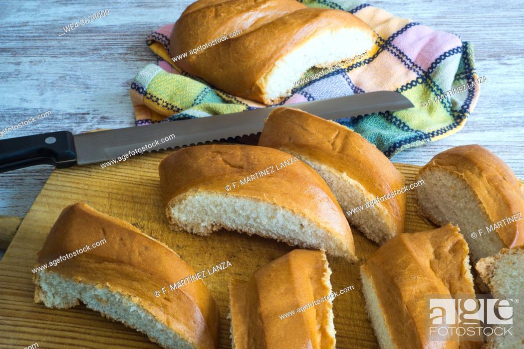 Imagen: Bread for making sliced torrijas.
