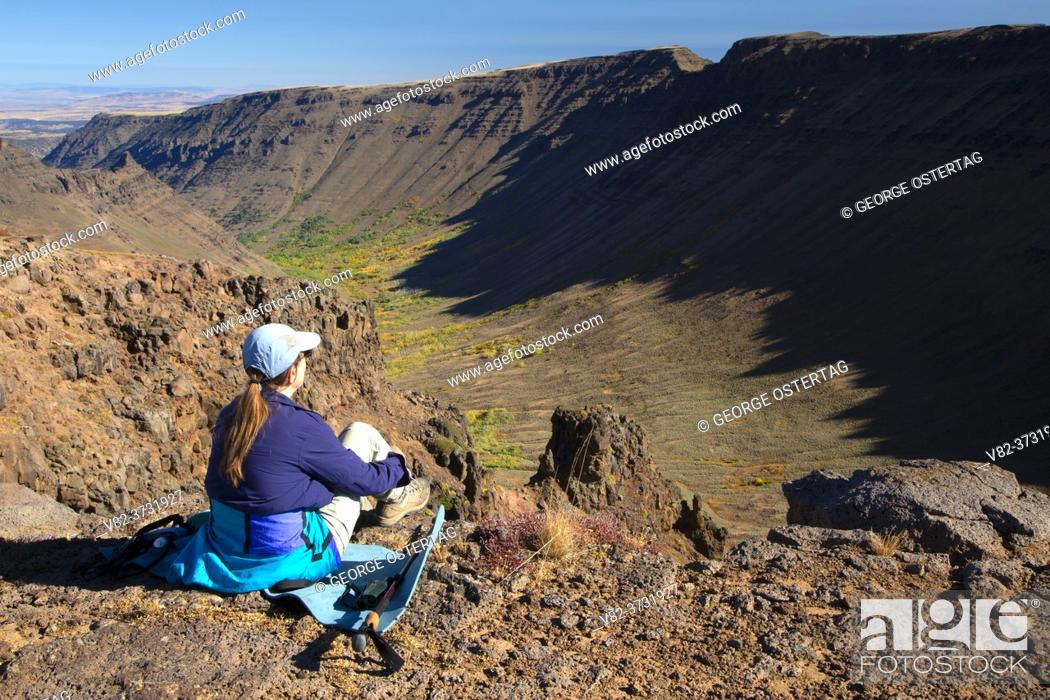 Stock Photo: Kiger Gorge from Kiger Gorge Overlook, Steens Mountain Cooperative Management and Protection Area, Steens Mountain Backcountry Byway, Oregon.